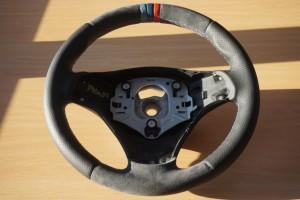 volante bmw alcanatara y perforado