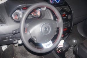 volante cuero nappa liso y perforado Renault sport