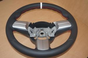 volante Mazda cuero liso, cuero perforado, engordado y puesta apoya pulgares