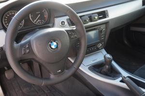 volante, palanca freno y cambio marchas en cuero perforado y liso BMW